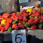 Verdure fresche sui banconi di pietra di Spalato