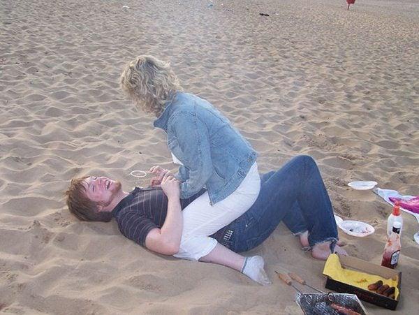 Gente da spiaggia - coppia hot