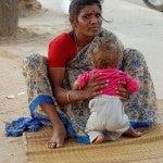 donna e bambino India
