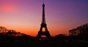 Vola a Parigi con D'Artagnan e i tre moschettieri!