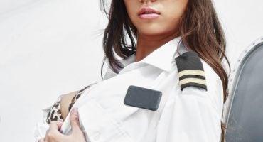 Nuova trovata di Ryanair: film porno durante il volo