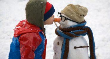 Manto bianco e palle di neve