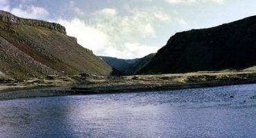 Una donna scomparsa partecipa alla propria ricerca in Islanda