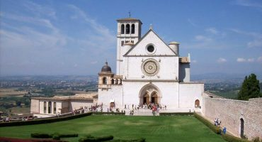 Assisi: gastronomia, storia, spiritualità e un tocco di mistero