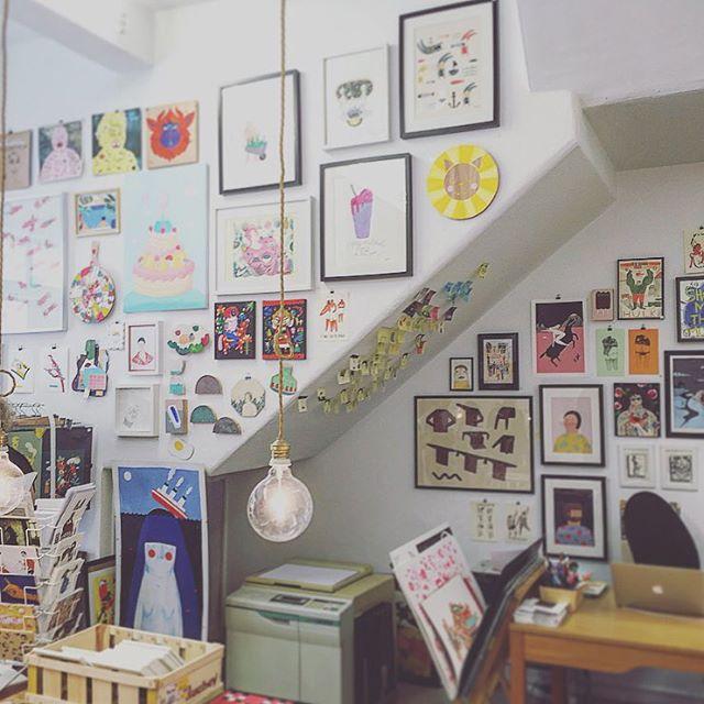 art gallery on Rua Miguel Bombard street