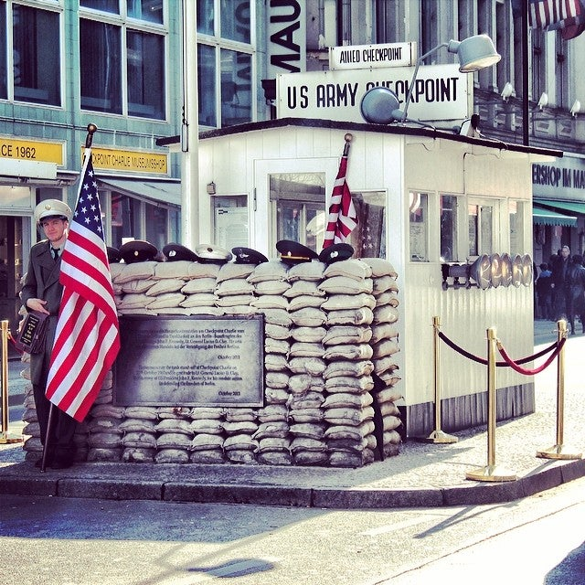checkpoint charlie cosa visitare a berlino edreams blog viaggi
