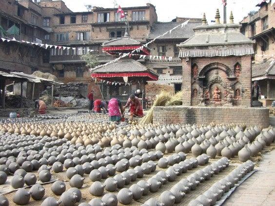 Piazza dei vasi a Bhaktapur
