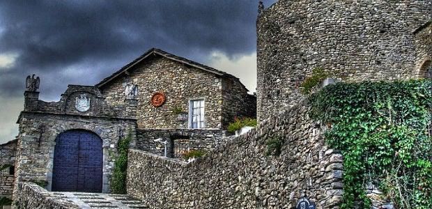 Vacanze da brivido 10 ville e castelli stregati in italia for Ville vacanze italia