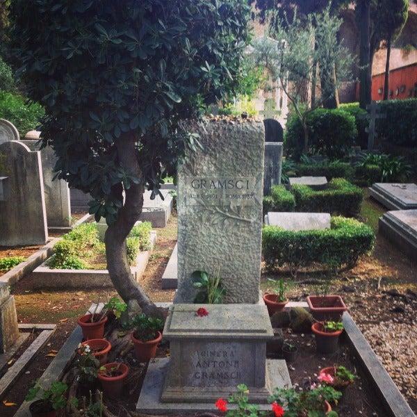 Tomba di Gramsci, Cimitero del Testaccio a Roma.