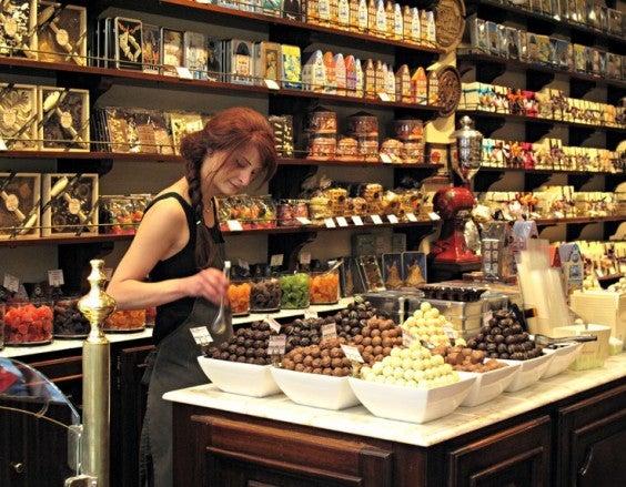 Enamorarse en la mesa: rutas gastronómicas para San Valentín . Chocolate Brujas