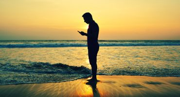 In vacanza con lo smartphone: i risultati del sondaggio europeo eDreams