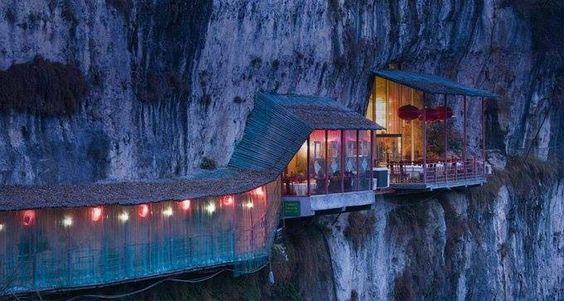 Sanyou Cave Chang Jiang river, Hubei, China