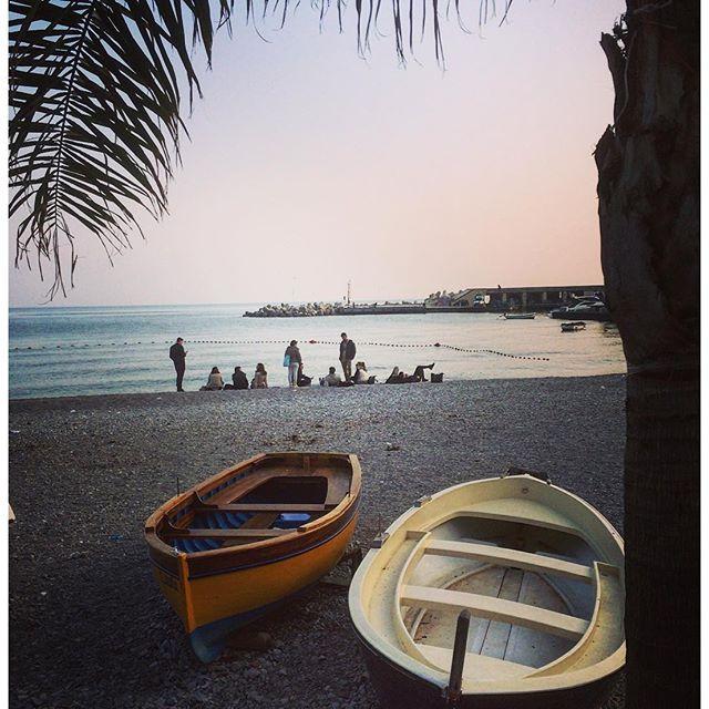 playa de cetara en la costa amalfitana
