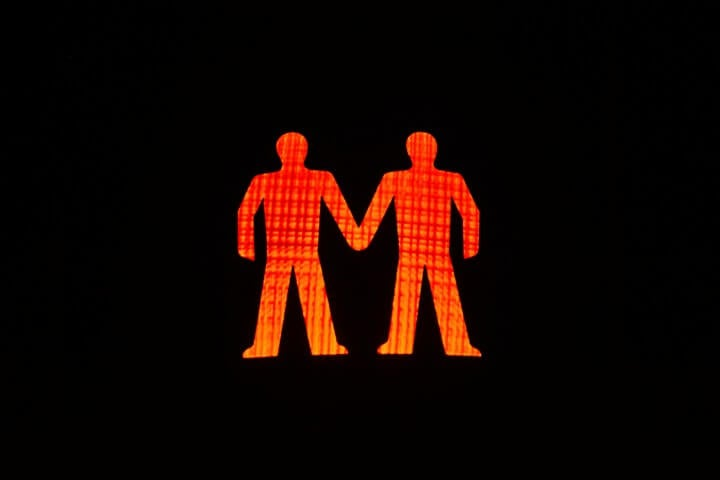 Semaforo LGBT nel quartiere Chueca