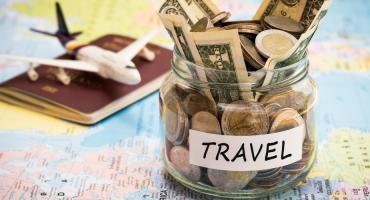 Consigli per spendere meno e viaggiare di più