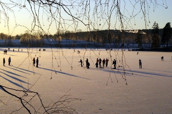 oslo pattinaggio ghiaccio lago