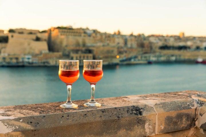Bicchiere di vino maltese