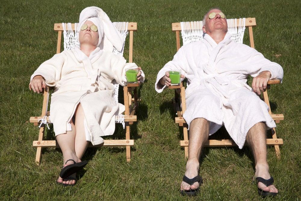 coppia relax al sole