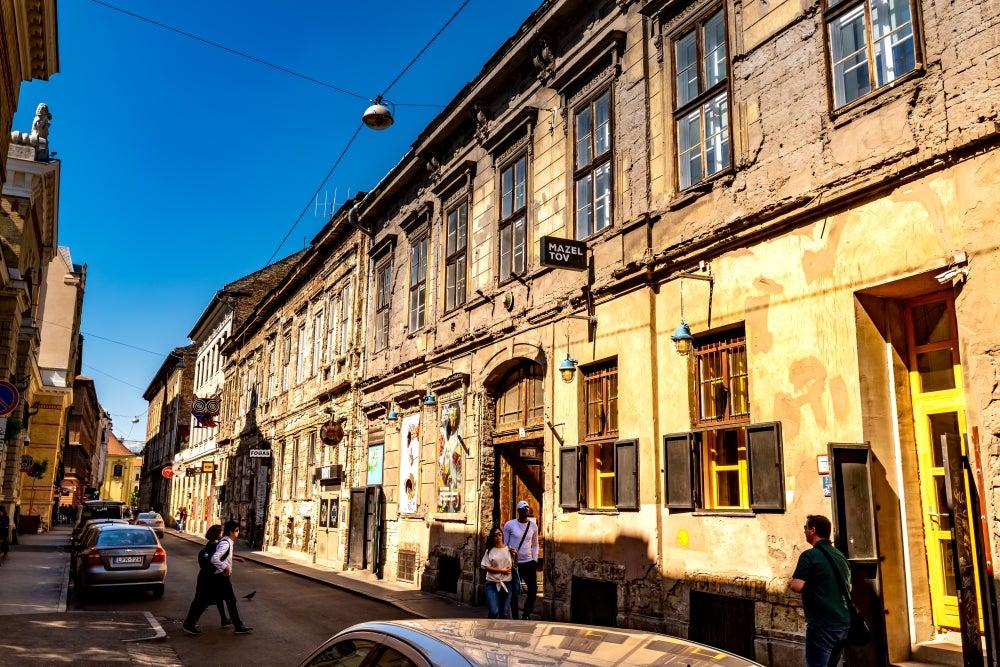 facciata del ruin bar Fogashaz Budapest
