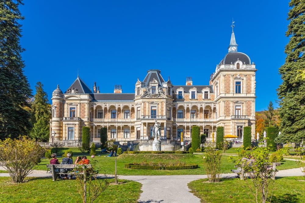 vista frontale della Hermes Villa nel Lainzer Tiergarten Vienna