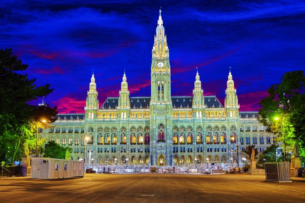 Rathaus di notte Vienna