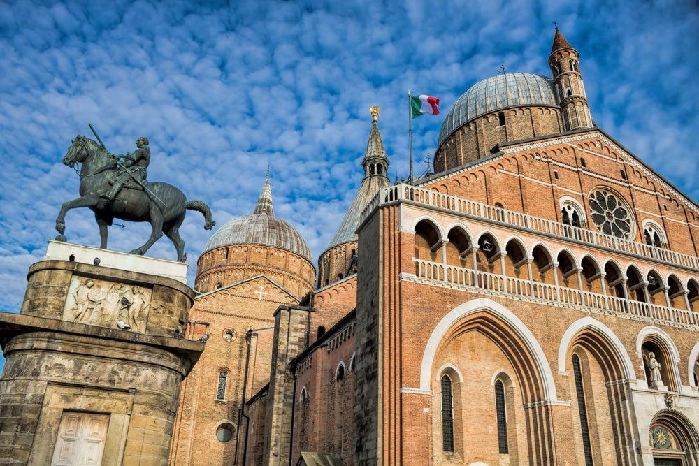 statua equestre al Gattamelata e Basilica di Sant'Antonio Padova
