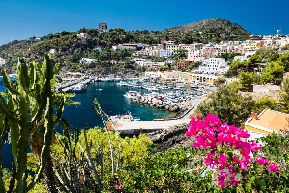 Isola di Ustica nel Mar Tirreno