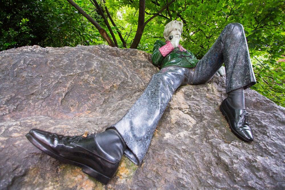 Statua di Oscar Wilde a Merrion Square.