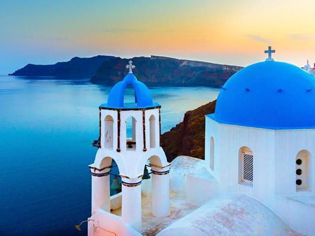 Volo hotel per Santorini: prenota i tuoi viaggi con eDreams